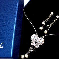 Napodobnil Pearl Crystal Butterfly s náušnice darčekovej krabičke náhrdelník Set NS1895A