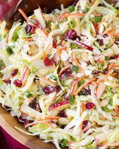 Recette : Salade de chou et pomme. Slaw Recipes, Summer Salad Recipes, Healthy Salad Recipes, Summer Salads, Chicken Recipes, Dinner Recipes, Lunch Recipes, Cooking Recipes, Restaurant Recipes