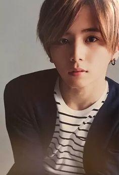 山田涼介 Japanese Boy, Japanese Beauty, Handsome Actors, Handsome Boys, Ulzzang, Ryosuke Yamada, How To Look Handsome, Asian Celebrities, Kawaii Cute