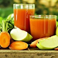 This pancreas cleansing carrot apple juice is packed with healthy ingredients to keep the every important pancreas functioning the way it should. Smoothie Detox, Juice Smoothie, Smoothie Drinks, Detox Drinks, Full Body Cleanse Detox, Detox Cleanses, Carrot Apple Juice, Jucing Recipes, Juicing Benefits