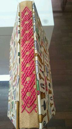 pink embroidery crisscross for fun effect Handmade Journals, Handmade Books, Handmade Notebook, Paper Book, Paper Art, Book Crafts, Paper Crafts, Pop Up Card, Bookbinding Tutorial