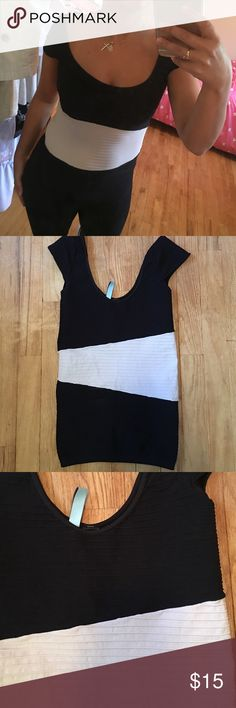 Ribbed Marciano Bodycon Top 🌚 Marciano Bodycon top. Ribbed stretchy fabric. Tight fitting. Color block detailing. Fits like a glove. Marciano Tops