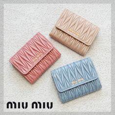 ギフトOK★miumiu可愛い折財布★キュートなマテラッセ★