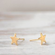 Gold Star Earrings, 14€, now featured on Fab.