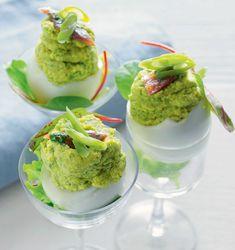 Uova ripiene di fagiolini e acciughe al verde