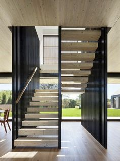 Modern Staircase Design Ideas - Modern stairs are available in numerous design and styles that can be real eye-catcher in the different location. We have actually assembled best 10 modern versions of staircases that can provide. Staircase Interior Design, Luxury Staircase, Home Stairs Design, Home Interior Design, Interior Architecture, Small Space Interior Design, Open Staircase, Floating Staircase, Spiral Staircases