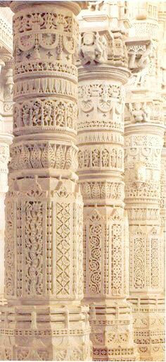 Beautifully carved marble columns in India - Indian Architecture and Heritage. In Rajasthan located between Udaipur and Jodhpur, Ranakpur Jain Temple, travel north indiaMagnificent pillars of Ranakpur temple.Beautifully carved m amazing architecture India Architecture, Ancient Architecture, Beautiful Architecture, Beautiful Buildings, Architecture Details, Beautiful Places, Indian Temple Architecture, Beautiful Mind, Art Indien
