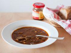 Pikantní polévka z hlívy ústřičné Chili, Soup, Beef, Ethnic Recipes, Meat, Chile, Soups, Chilis, Steak