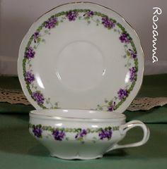 tazza e piattino Richard Ginori -  decorazione violette - a casa di Sebastiano