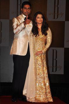 Aishwarya Rai Bachan In A Gold Embellished Abu Jani Sandeep Khosla #Anarkali.
