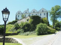 paradies und das: Waldviertel Mansions, House Styles, Simple, Places, Life, Paradise, Woodland Forest, Manor Houses, Villas