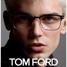 Arthur G. (Major Model) com visual platinado para a campanha mundial de Tom Ford - linha Eyewea