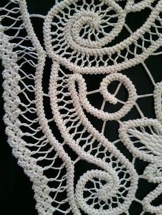 Centerpiece Doily Romanian Point Lace Style Crochet Doily IVORY Floral Pattern x Crochet Cord, Freeform Crochet, Crochet Lace, Crochet Doilies, Needle Tatting, Tatting Lace, Russian Crochet, Irish Crochet, Cordon Crochet