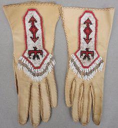 Vintage Gloves Native American Indian Beadwork Deer Skin Loomed Glass Seed Beads