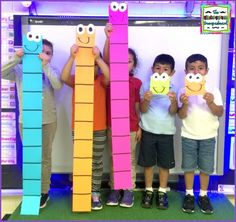 Place Value: Giant Tens And Ones See how to make giant place value blocks for teaching tens and ones. Use giant place value blocks to show how tens and ones make numbers. Maths 3e, Primary Maths, Teaching Place Values, Teaching Math, Fun Math, Math Activities, Place Value Activities, Math Games, Place Value Projects