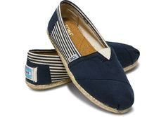 Great Toms shoes you have there. Anyway, I'd like to share the most fashionable collections in this Toms Outlet!