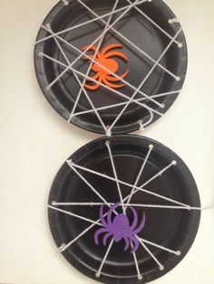 13 Easy Halloween Crafts for Toddlers - Spider Web Plates #halloweencrafts