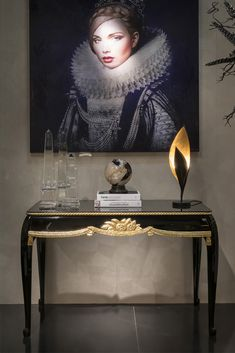 Discover the Art Deco Style Designer Sue et Mare at Juliettes Interiors, providing exceptional atmosphere and superb style to any distinguished interior. Fine Furniture, Luxury Furniture, Dark Colors, Colours, Entrance Hall, Commercial Design, French Art, Furniture Collection, Beautiful Hands