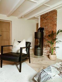 Brick Wall, Second Floor, Midcentury Modern, Living Room Furniture, Living Room Designs, Scandinavian, Entryway, Flooring, Photo And Video