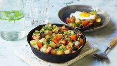 Pytt-i-panne med grønnsaker Ratatouille, Bruschetta, Salsa, Recipies, Baking, Ethnic Recipes, Food, Recipes, Bakken