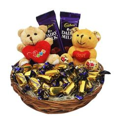 Find Exclusive Valentine Gifs for Girlfriend at Lowest Price with Express Delivery to UK.