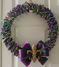 Mardi Gras Wreath... Use my boot clip from the parade instead of bow