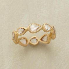 DIAMOND DROPLETS RING
