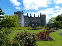 Kilkenny Castle (Caisle�n Chill Chainnigh) | 24 Gorgeous Castles From The British Isles You Can Actually Visit