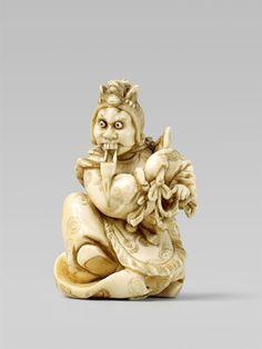 An okimono-type ivory netsuke of a bugaku dancer, by Mitsumasa. Around 1900, Auktion 1092 Asiatische Kunst I Indien, Südostasien und Japan, Lot 615