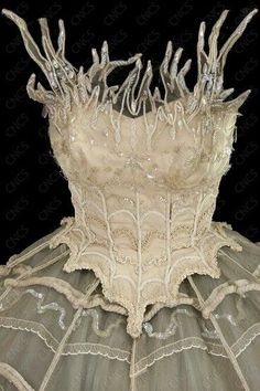 bodice white swan or ice witch ice queen snow queen bodice with standing fronds of tulle and white decoration - maybe a ballet costume Ballet Costumes, Dance Costumes, Fairy Costumes, Winter Fairy Costume, Narnia Costumes, Faerie Costume, Nutcracker Costumes, Vampire Costumes, Moda Medieval
