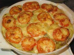 Tomaattinen jauheliha-valkosipuliperunalaatikko (Piia)