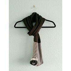 Express | Knit Flower Scarf