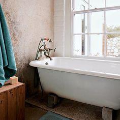 Refúgio natural. Veja: http://casadevalentina.com.br/blog/detalhes/refugio-natural-3089 #decor #decoracao #interior #design #casa #home #house #idea #ideia #detalhes #details #style #estilo #casadevalentina #nature #natureza #bathroom #banheiro