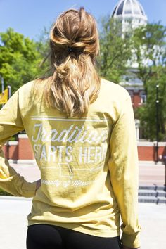 12e55ddbc6 Mizzou Juniors' Comfort Colors Oval Tiger Head Traditions Gold Crew Neck  Shirt