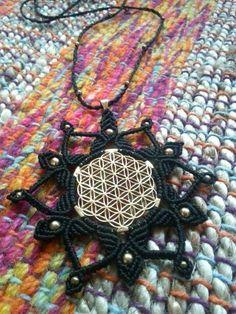 Flower of life Mandala necklace macrame by Mundo Makramee