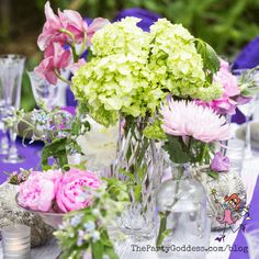 Garden inspired wedding flowers perfect for a spring or summer wedding! | The Party Goddess! #wedding #weddingflowers #flowers #weddingday #weddingplanner Post Wedding, Wedding Tips, Luxury Wedding, Summer Wedding, Wedding Day, Wedding Coordinator, Wedding Planner, Destination Wedding, Unique Bridal Shower Gifts