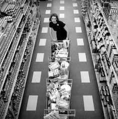 :: Jerry Schatzberg :: Desperate Housewife Shopping