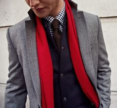 Style Homme. Men, well dressed. Grey wool blazer. Black and white gingham shirt. Cherry red scarf.