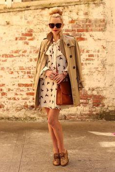Wardrobe Essentials: How to Wear a Trench Coat - Lena Penteado