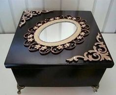 Amazing DIY Decorative Boxes Ideas you will love for sure Painted Boxes, Wooden Boxes, Milk Snob Cover, Cigar Box Crafts, Decoupage Box, Altered Boxes, Pretty Box, Jewellery Boxes, Diy Box