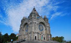 O Santuário de Santa Luzia, localiza-se no alto do monte de Santa Luzia, na…