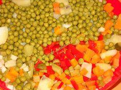 Retete Rina's 90, Retete de peste tot adunate: Salata de boeuf ( falsa ) Vegetables, Food, Salads, Veggies, Vegetable Recipes, Meals, Yemek, Eten