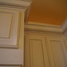 Kitchen molding ideas cabinet trim moulding and accent for White kitchen cabinets with crown molding