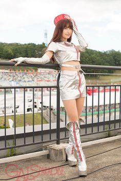 有馬綾香 Grey Boots, Two Piece Skirt Set, Colorful, Skirts, Dresses, Fashion, Gray Boots, Vestidos, Moda
