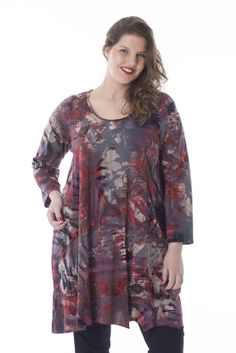 Exelle | curvy fashion | long tunic with allover flockprint