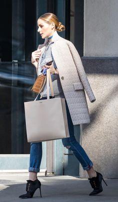 Un piumino elegante che sembra un cappotto? Lo ha indossato Olivia Palermo che ci svela il capospalla leggero perfetto per quest'autunno