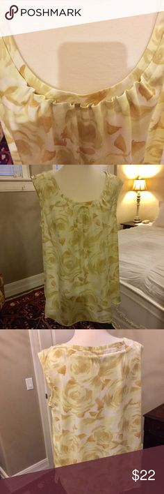 TALBOTS light printed blouse Creamy yellow light flowered Talbots blouse Talbots Tops Blouses