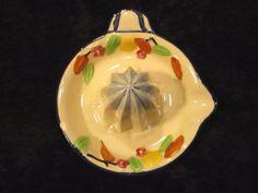 Vintage-Reamer-Ceramic-Lemon-Squeezer-Juicer-Made-in-Japan