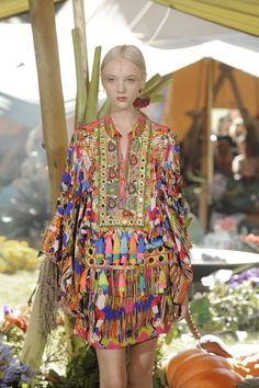 Camilla Norrback SS14 Urban Chic Fashion, Funky Fashion, Womens Fashion, Boho Chic, Bohemian, Rainbow Warrior, Swedish Fashion, Kaftans, Urban Style