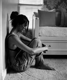 """""""I used to think the worst thing in life was being alone, its not. The worst thing in life is to end up with people that make you feel alone."""" --Robin Williams"""